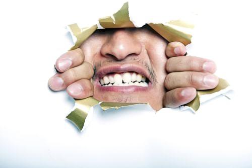 Kan man se huller i tænderne